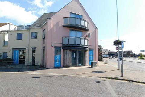 Property to rent - North Street, Worthing