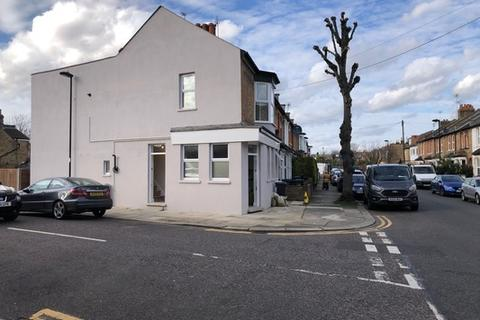 2 bedroom flat to rent - Downs Road, Enfield