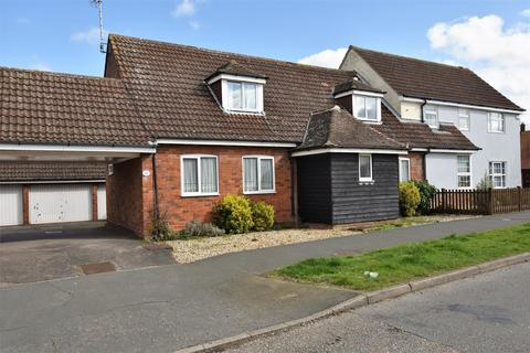 3 bedroom semi-detached house for sale - Inchbonnie Road, South Woodham Ferrers