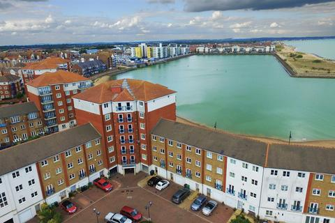 3 bedroom penthouse for sale - Dominica Court, Eastbourne