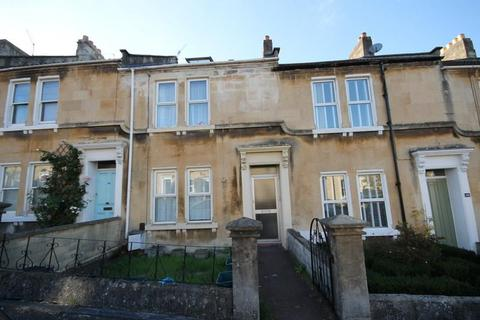 5 bedroom private hall to rent - West Avenue