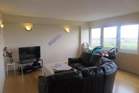 2 bedroom flat for sale - Westbourne House, Wheatlands, Heston