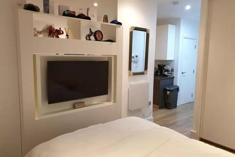 1 bedroom flat for sale - Trinity Square, 23-59 Staines Road, Hounslow
