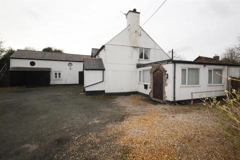 3 bedroom detached house for sale - The Roe, St. Asaph