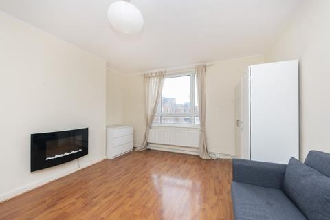 3 bedroom flat to rent - Priory Close, SW19