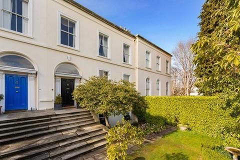 5 bedroom house - 2 Avoca Terrace, Blackrock, County Dublin