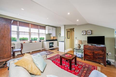 Studio to rent - Westbourne Terrace London W2