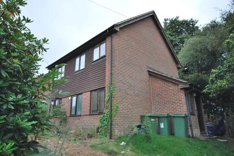 Studio to rent - Sherwood Road, Tunbridge Wells