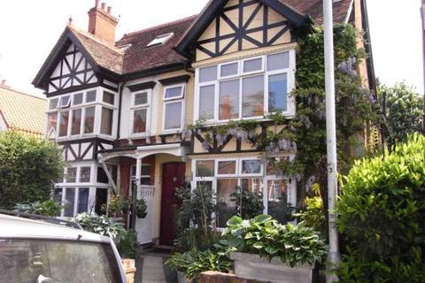 Studio to rent - St Annes Road, Caversham