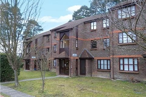 1 bedroom apartment to rent - Townsend Close, Bracknell, Berkshire, RG12