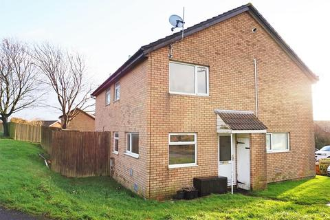 1 bedroom cluster house to rent - Hazeldene Avenue, Brackla, Bridgend, Bridgend County. CF31 2JR