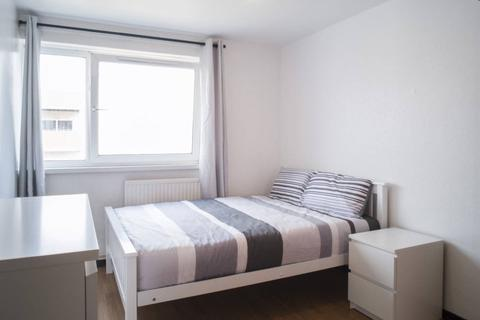 1 bedroom flat share to rent - Wager Street, Bow, London E3