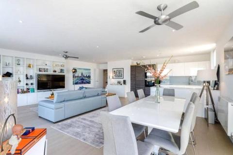 2 bedroom terraced house to rent - River Gardens Walk, London, SE10