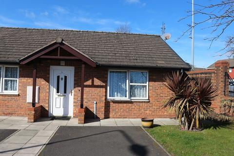 2 bedroom bungalow for sale - Torrington Drive, Liverpool, Merseyside. L26 1TP