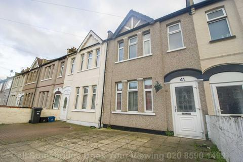 3 bedroom terraced house for sale - Saxon Road, Ilford