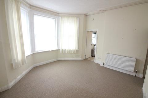 Studio to rent - Westby Road, Boscombe BH5