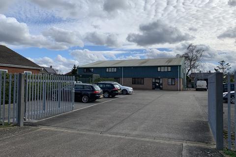 Industrial unit to rent - Unit 7, Holborn Avenue, Mildenhall IP28