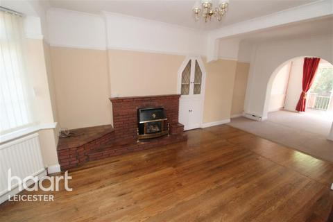 3 bedroom semi-detached house to rent - Station Road