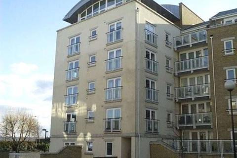 2 bedroom penthouse to rent - Cedar House, Woodland Crescent, Surrey Quays, SE16 6YL