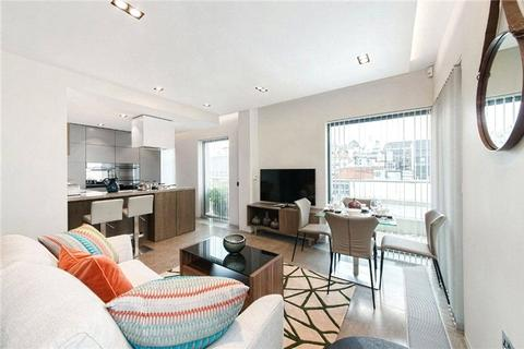 3 bedroom flat to rent - Babmaes Street, St. James's, London