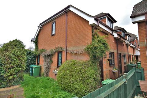 2 bedroom terraced house - Colne Reach, Staines-Upon-Thames, Surrey, TW19
