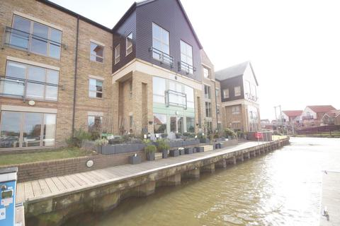2 bedroom ground floor flat for sale - Marine Point Apartments, Marine Approach, Burton Waters