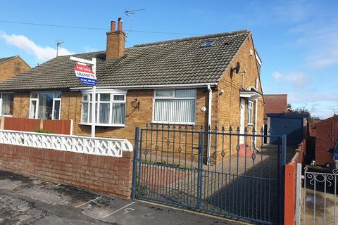 3 bedroom semi-detached bungalow for sale - Bemrose Grove, Bridlington