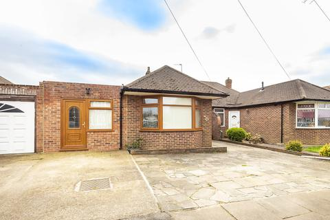 2 bedroom detached bungalow for sale - Glebe Avenue, Ruislip