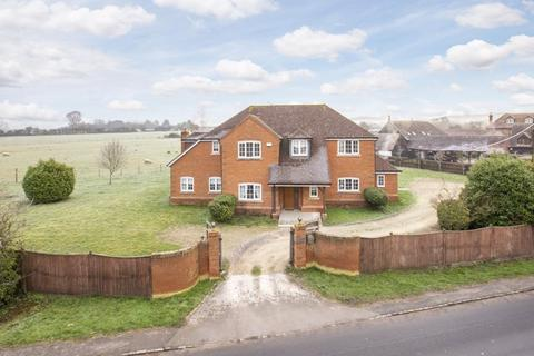 5 bedroom detached house to rent - Longwick