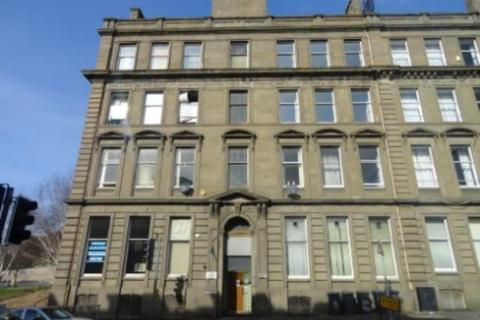 4 bedroom flat to rent - 10 3/2 Victoria Chambers, Victoria Road,