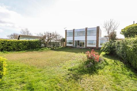 5 bedroom detached house for sale - Fishermans Walk, Hayling Island