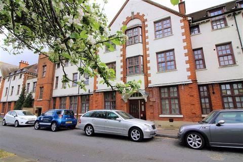 1 bedroom flat to rent - Buxton Lodge, Wanstead, London