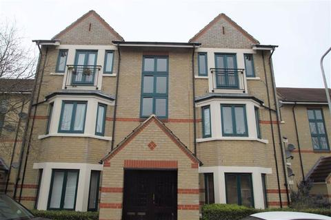 1 bedroom flat for sale - Peel Close, Chingford