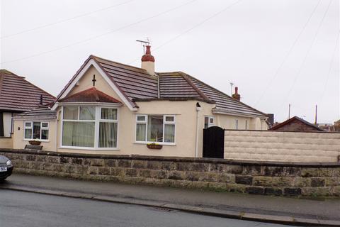 3 bedroom detached bungalow for sale - Tynewydd Road, Rhyl