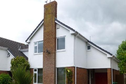 4 bedroom detached house to rent - Rodens Close, Rossett
