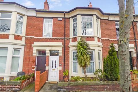 2 bedroom flat for sale - Queen Alexandra Road, North Shields