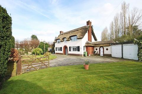 4 bedroom detached house for sale - Green Lane, Timperley, Cheshire