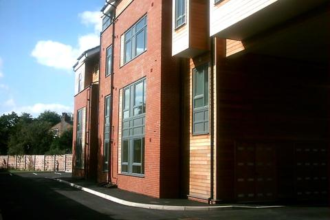 2 bedroom flat to rent - Dukes Court, Wellington Road, Eccles