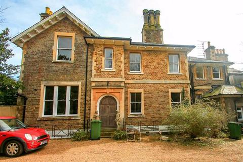 2 bedroom flat for sale - Maze Hill, St. Leonards-on-sea, East Sussex