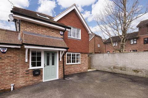 2 bedroom house for sale - St. Marys Road, Tonbridge