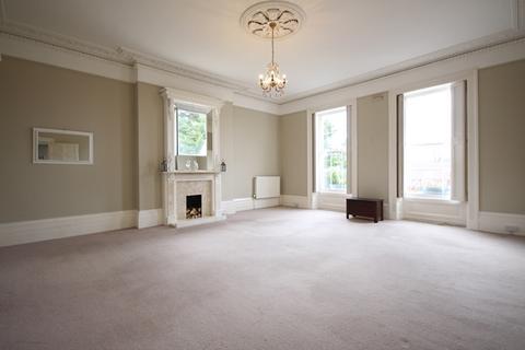 2 bedroom flat to rent - Old mansion House, Prestbury, Cheltenham