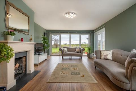 4 bedroom detached bungalow for sale - Priory Close, Horton-Cum-Studley