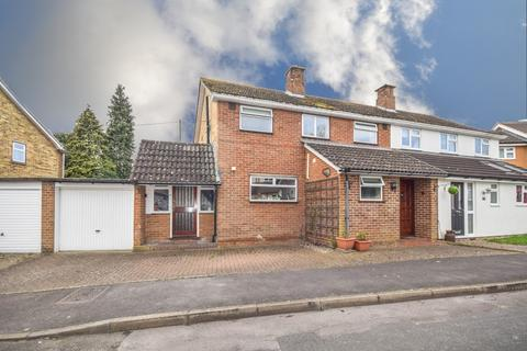 3 bedroom detached house for sale - Rosemary Close, Dunmow, Essex, CM6