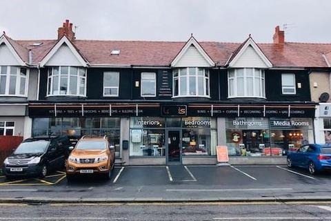 Shop to rent - Waterloo Road, Blackpool, FY4 4BL