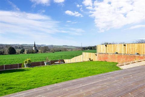 4 bedroom detached house for sale - Priorsdean Close, Barming, Maidstone, Kent