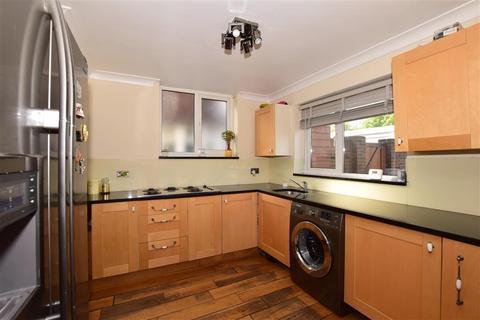 3 bedroom semi-detached house for sale - The Ridgeway, Waddon, Croydon, Surrey