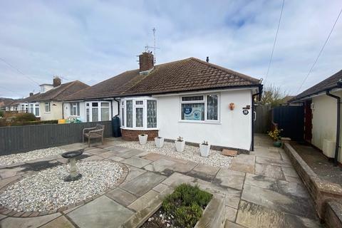 2 bedroom semi-detached bungalow to rent - Farmlands Avenue, Wannock, Polegate, East Sussex BN26