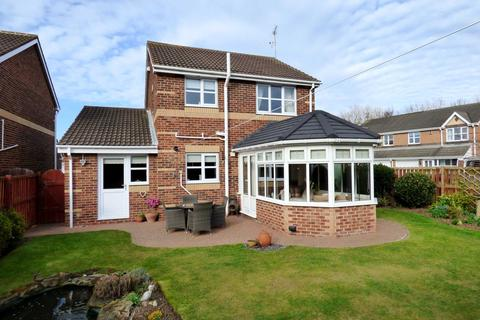 3 bedroom detached house for sale - Harwich Close, Redcar