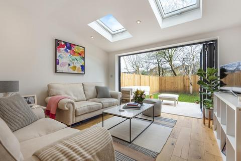 2 bedroom flat for sale - Friern Road, East Dulwich