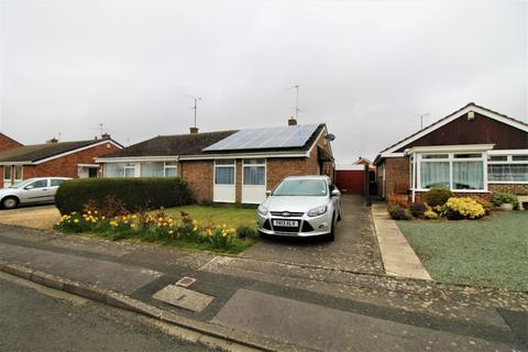 2 bedroom semi-detached bungalow for sale - Bishops Cleeve, GL52